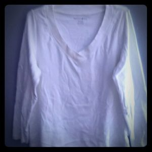 5 for $25 White v-neck top